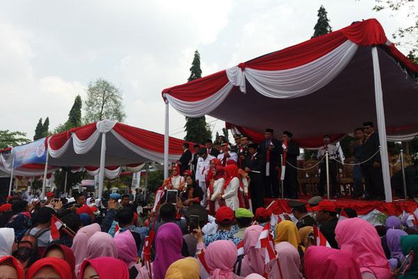 LAMPUNG POST | Lampung Tengah Cetak Tiga Rekor Muri