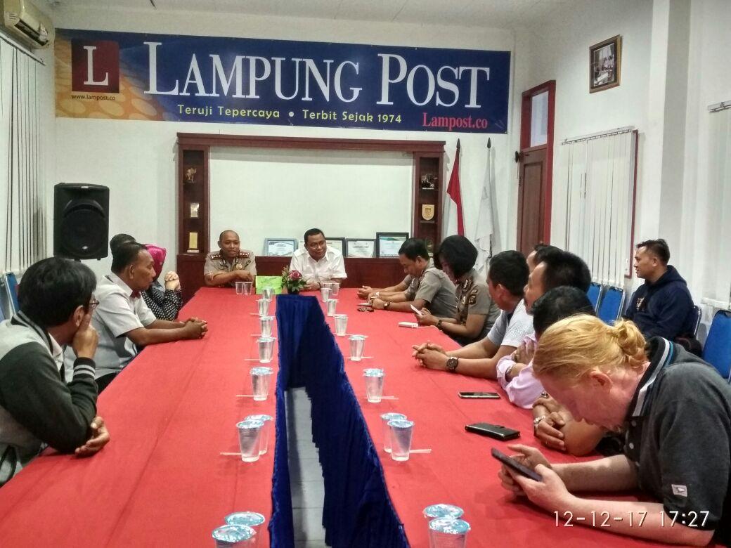 Kapolres Pesawaran dan PJU Sambangi Kantor Lampung Post