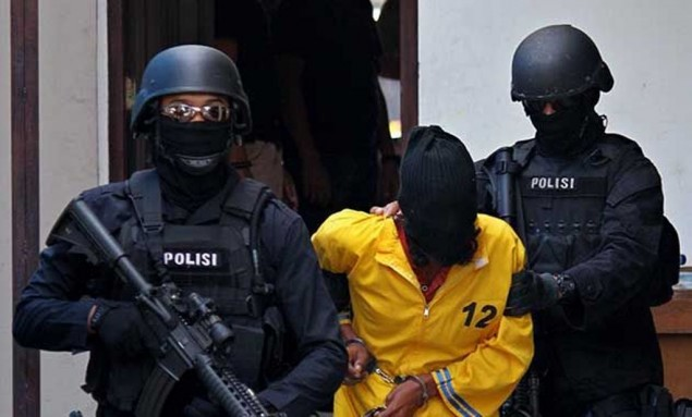 Polisi Tangkap Suami Istri Terduga Teroris di Indramayu