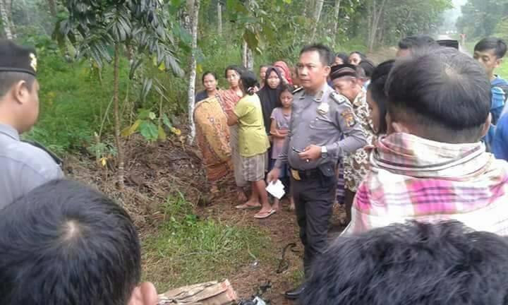 LAMPUNG POST | Kerangka Manusia Ditemukan Di Pinggir Jalan Desa Munjuk