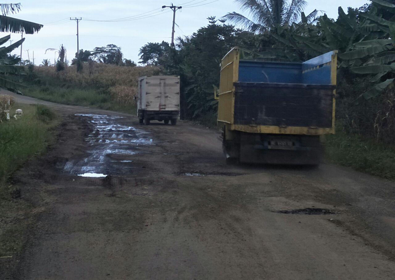 LAMPUNG POST | Kerusakan Jalan Provinsi Ruas Simpanggayam - Simpanglima Makin Parah