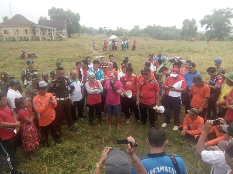 Winarti-Hendriwansyah Pimpin Gotong Royong di Cakat Raya