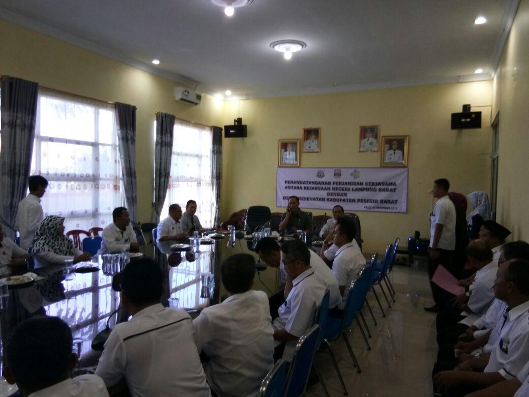 LAMPUNG POST | Dinas Kesahatan Pesisir Barat Kerja Sama Pendampingan dengan Kejaksaan