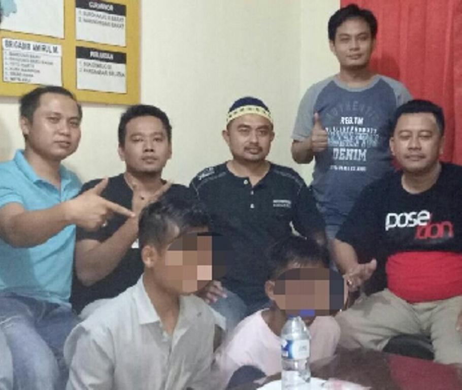 Asyik Menikmati Sabu di Kandang Ayam Dua Pemuda Dibekuk