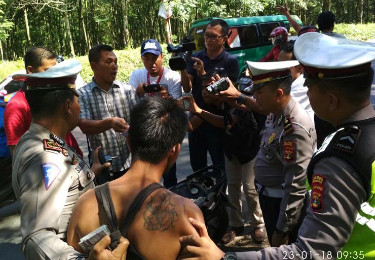 LAMPUNG POST | Polisi Rekonstruksi Penangkapan Bandar Sabu Jaringan LP Rajabasa