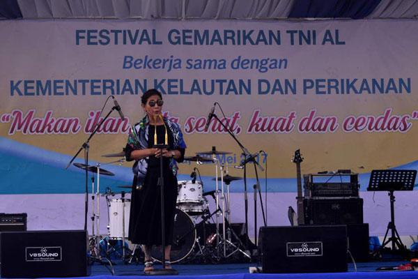 LAMPUNG POST | TNI AL- KKP Gelar Festival Gemar Ikan