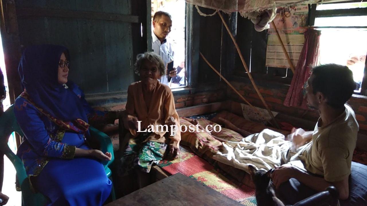 Misri dan Rio-Rikoh Tak Menyangka Bakal Dikunjungi Bunda PAUD dan Ketua Himpaudi Lampura