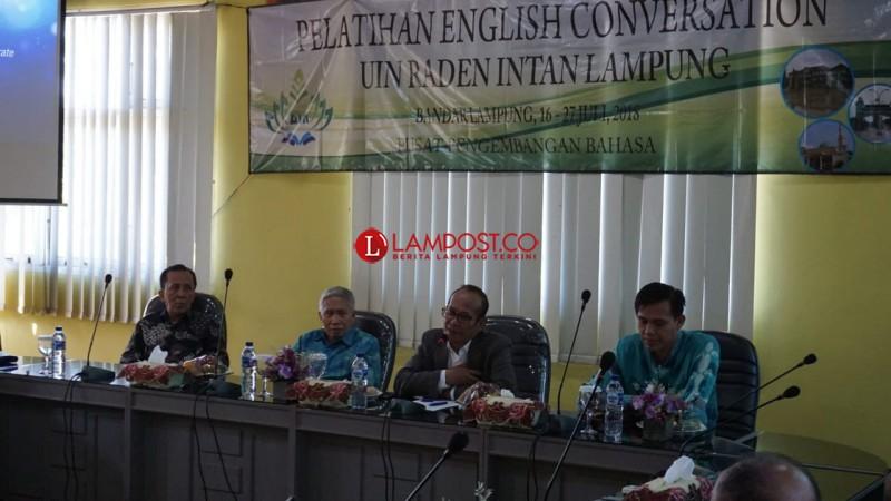 120 Tenaga Pendidik UIN Tingkatkan Kemampuan Berbahasa Inggris