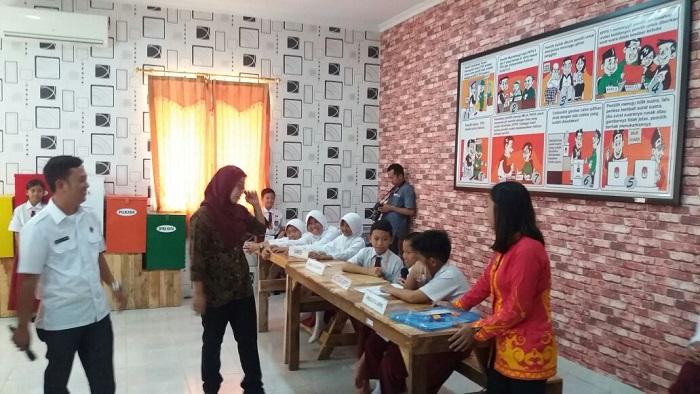 LAMPUNG POST | KPU Kota Optimalkan Pendidikan Pemilu dan Demokrasi Usia Pra-Pemilih