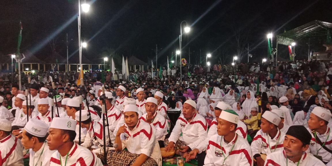 Umat Muslim Tubaba, Peringati Maulid Dengan Selawatan