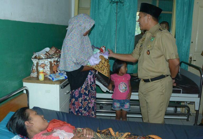 LAMPUNG POST | Bayi Lahir di RS Lampung Tengah Dapat Akta dan KK