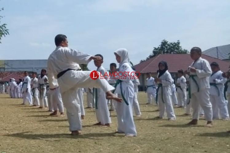 150 Atlet Karate-Do Lampura Ikuti Ujian Kenaikan Sabuk