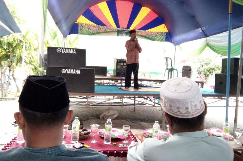 LAMPUNG POST | Muslimat NU Sendangbaru Bagikan 150 Paket Sembako