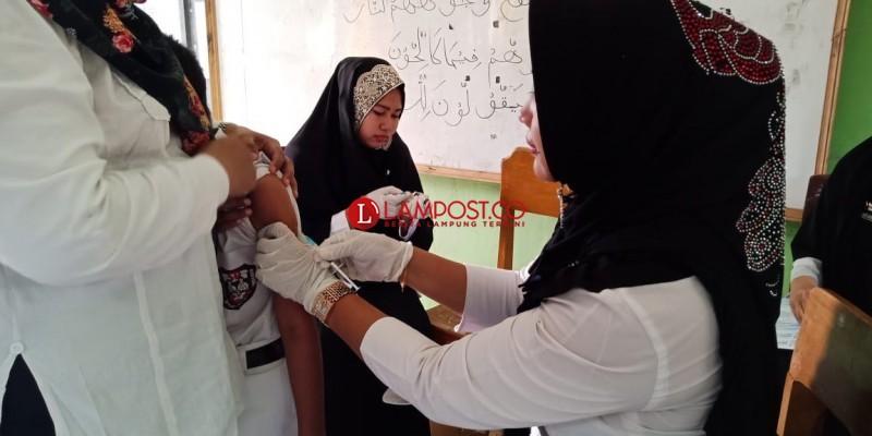 Imunisasi MR di Sidomulyo Capai 50 Persen
