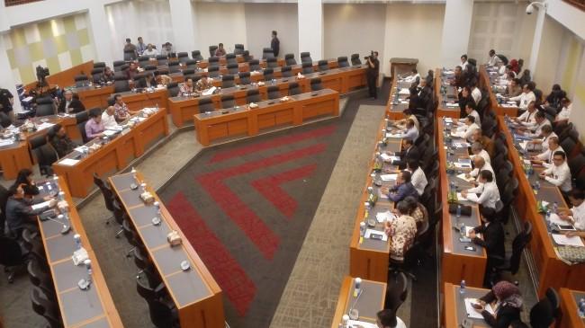 DPR-Pemerintah Kompak Tunda Keputusan RAPBN 2018