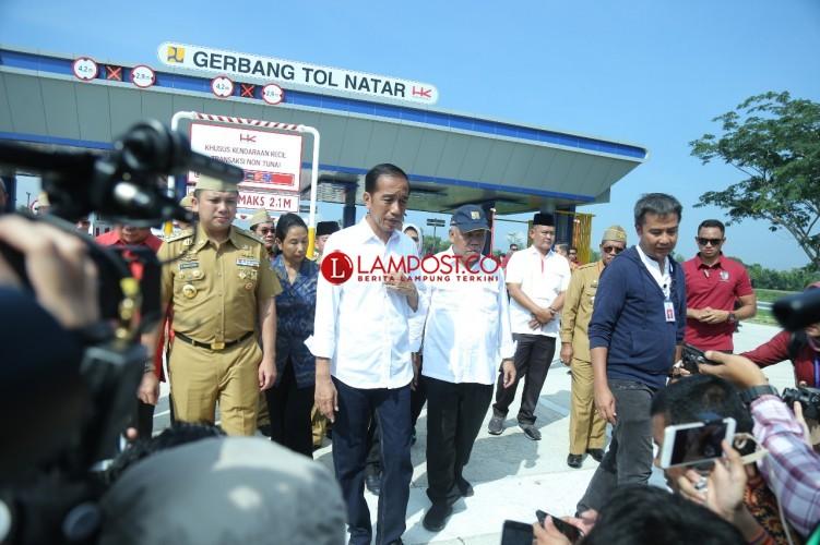 Presiden Jokowi Resmikan Tol Terpanjang di Lampung