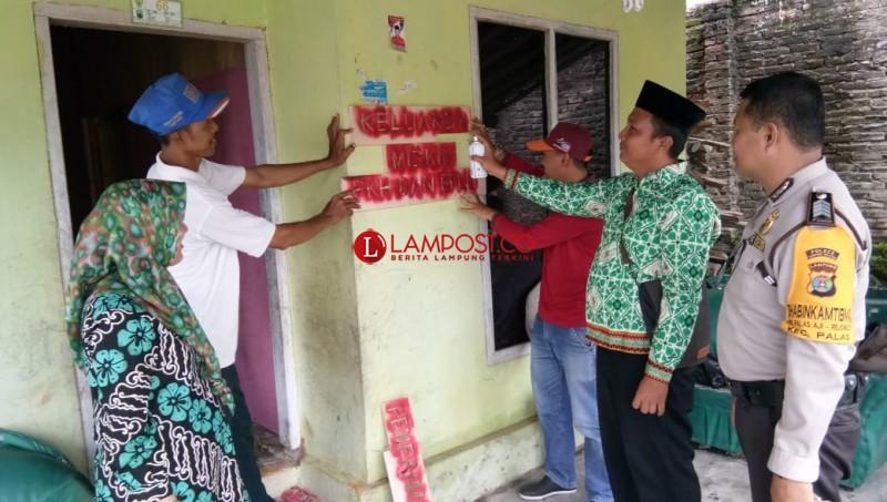 46 Rumah Keluarga Penerima Manfaat PKH di Palas Dipasang Tanda Khusus
