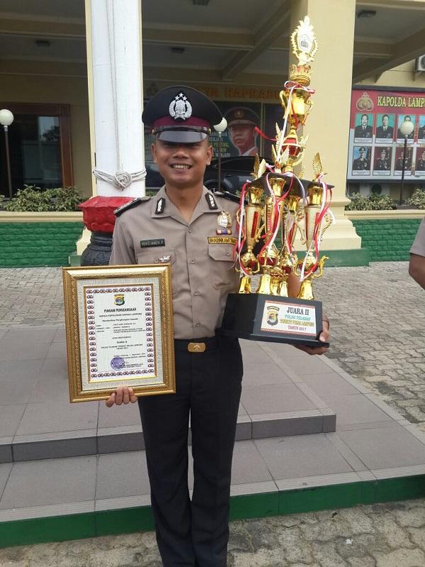 LAMPUNG POST | Bhabinkamtibmas Polres Pesawaran Juara II Polisi Teladan