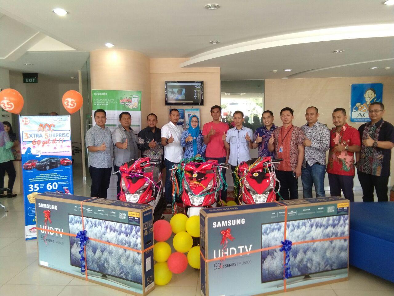 ACC Bandar Lampung Serahkan Hadiah 3xtra 5urprise Kepada Pemenang