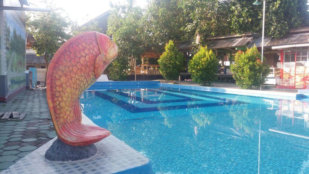 LAMPUNG POST | Kolam Titasari Sarana Rekreasi Keluarga