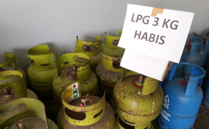 LAMPUNG POST   Epiji 3 Kg di Ketapang Tembus Rp30 Ribu/Tabung