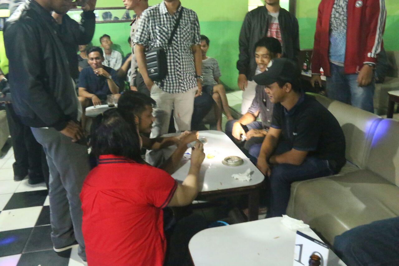 LAMPUNG POST | Razia Tempat Hiburan Malam, Nihil Narkoba