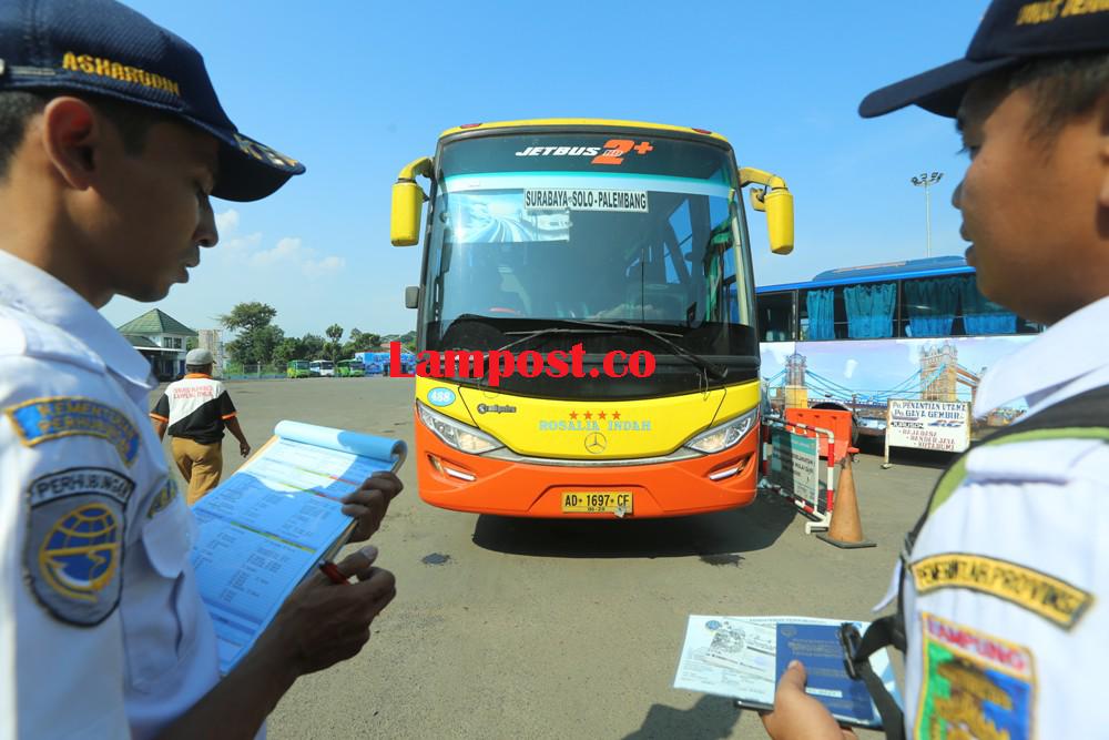 LAMPUNG POST   Dishub Provinsi Diminta Cabut Izin Trayek Bus Tak Lolos Uji Laik Jalan