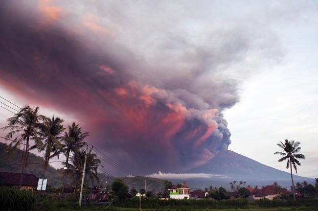 LAMPUNG POST | Penerbangan dari Solo dan Yogyakarta Dibatalkan