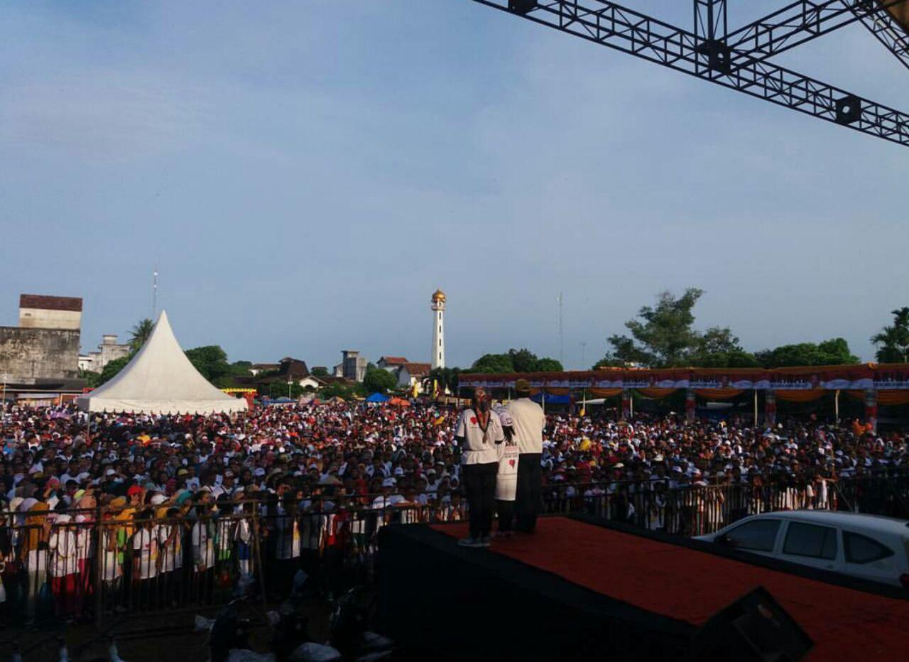 Ribuan Peserta Hadiri Jalan Sehat Arinal di Way Jepara, Lampung Timur