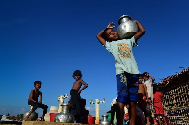 LAMPUNG POST | Myanmar Dituding Terapkan Apartheid terhadap Muslim Rohingya