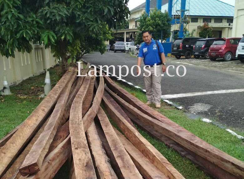 Sepekan, Direktorat Polair Polda Lampung Amankan Dua Kapal Pengangkut Kayu Illegal