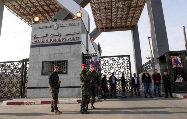 LAMPUNG POST | Pertama Kali Perbatasan Mesir-Gaza Dibuka Atas Pengawasan Palestina