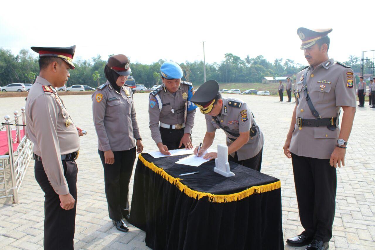 Dua Pejabat di Polres Pesawaran Dimutasi