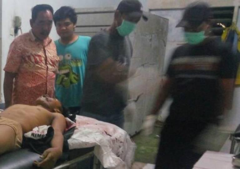 LAMPUNG POST | Diduga Korban Kecelakaan, Pria Ditemukan Tewas di Pinggir Jalan