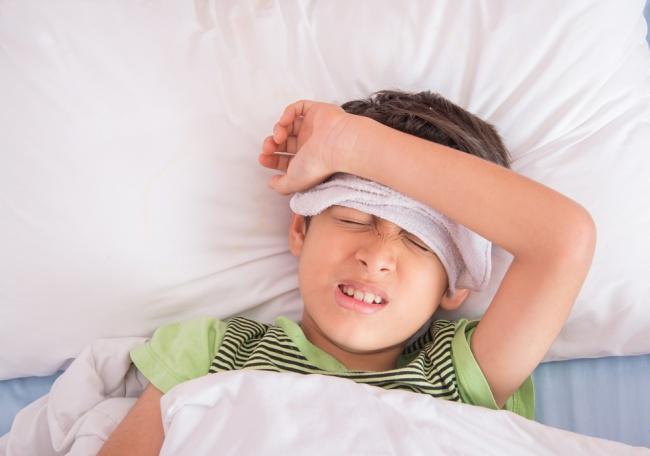 LAMPUNG POST | Anak Demam? Jangan Panik, Lakukan Saja Hal Berikut