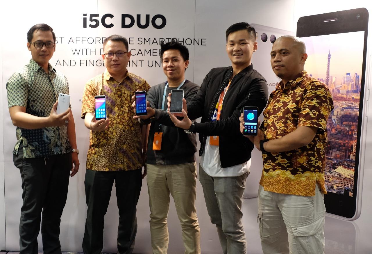 Advan Resmi Luncurkan i5C Duo dengan Dua Kamera Belakang