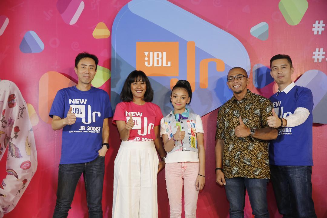 LAMPUNG POST | Diluncurkan JBL(R)Jr, Headset Khusus Anak-Anak