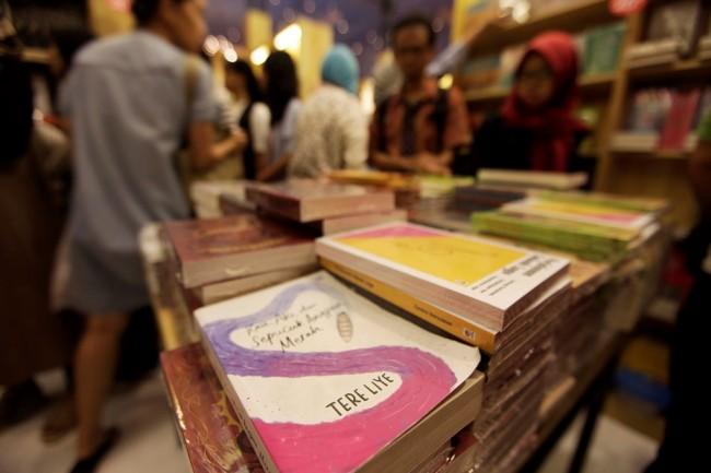 LAMPUNG POST | Penulis Buku di Indonesia Bakal Berguguran?