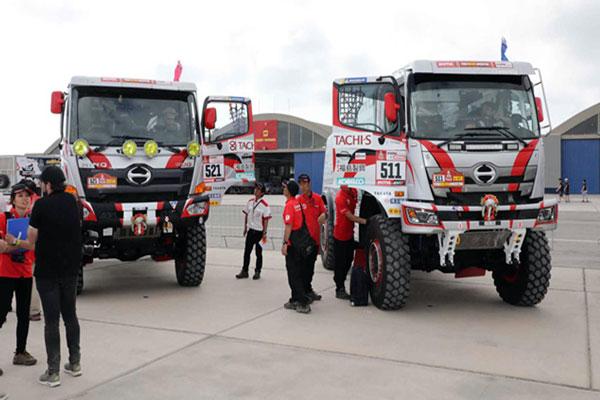 Hino Kembali Ramaikan Dakar Rally 2018