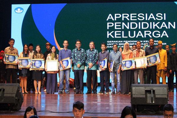 LAMPUNG POST   Wartawan Lampung Post Raih Penghargaan Jurnalistik