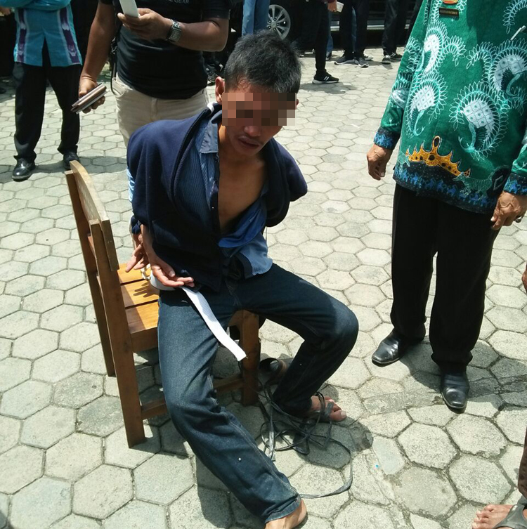 LAMPUNG POST | Kabur Ke SMKN 4 Bandar Lampung, Jambret Diamuk Massa