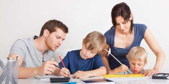 LAMPUNG POST | Orang Tua Kunci Pembentukan Karakter Anak
