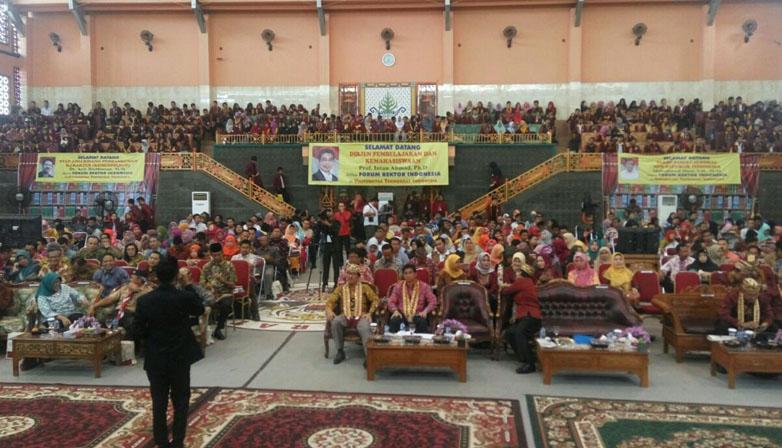 LAMPUNG POST | Bangun Karakter Bangsa, Forum Rektor Indonesia Gelar Seminar Nasional dan FGD