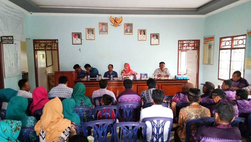 LAMPUNG POST | Warga Dusun Tanjungrasa Palas Harapkan Tiang Listrik Memadai
