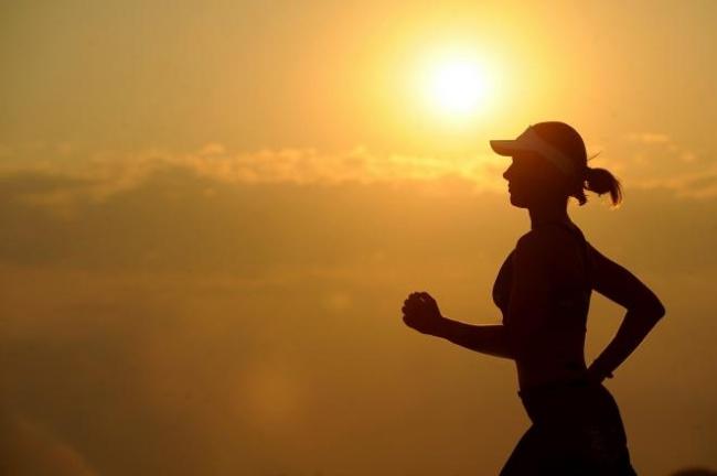 LAMPUNG POST | Tips Berolahraga di Cuaca Panas