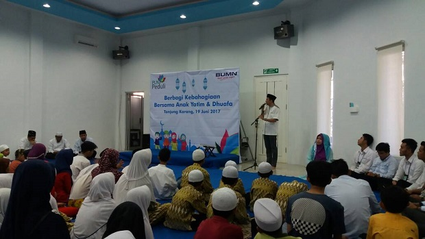 PT PLN (Persero) P3B Sumatera Santuni 160 Anak Yatim