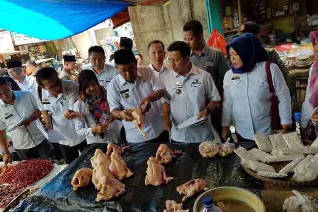 Duh, Tim Monitoring Temukan Makanan Kadaluarsa dan Kemasan Rusak
