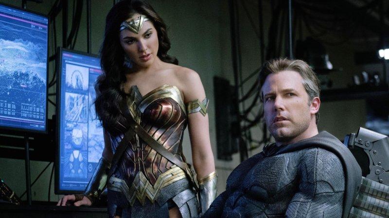 LAMPUNG POST | Ada Adegan Romantis antara Batman dan Wonder Woman dalam Justice League