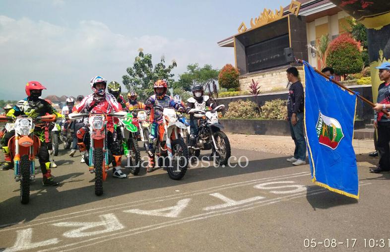 LAMPUNG POST | 800 Rider Ramaikan Adventure Trail di Pesawaran