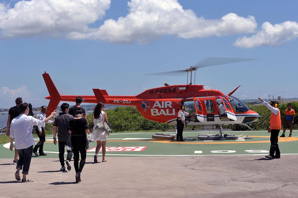 LAMPUNG POST   Wisata Naik Helikopter di Bintan Dibanderol Rp1,5 Juta
